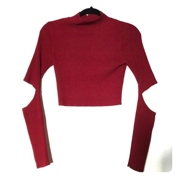 Shop Women's Hera Collection Red size L Crop Tops at a discounted price at Poshmark. Description: Long Sleeve Crop Top with Elbow Slits. In Perfect Condition. Available in only Cranberry. Image #2 to show Fit Only.. Sold by natpanattoni1. Fast delivery, full service customer support.