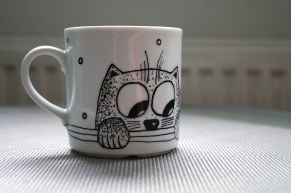 Hand painted white porcelain tea/coffee cup with cat.