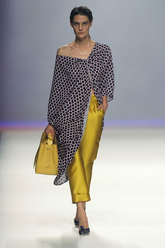 El Desfile De Ulises Merida Moda Para Curvas Moda Moda Tallas Grandes