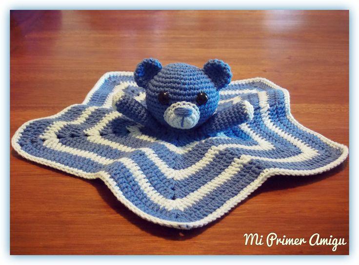 Manta de apego de osito a crochet by Philomena