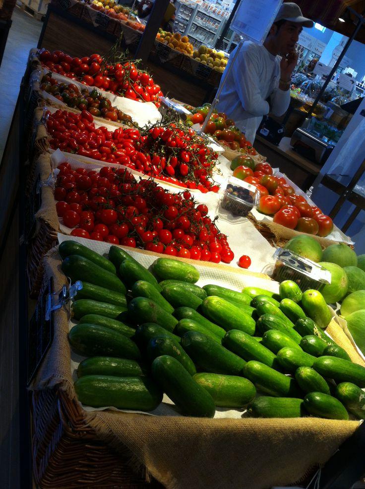 Cetrioli e pomodori - Eataly, Bari. http://www.bari.eataly.it