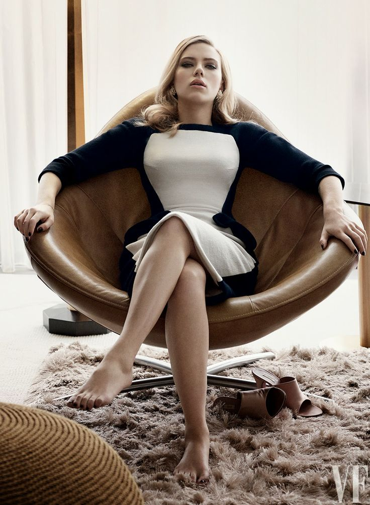 Black Carousel: Scarlet Johansson on Vanity Fair Cover.