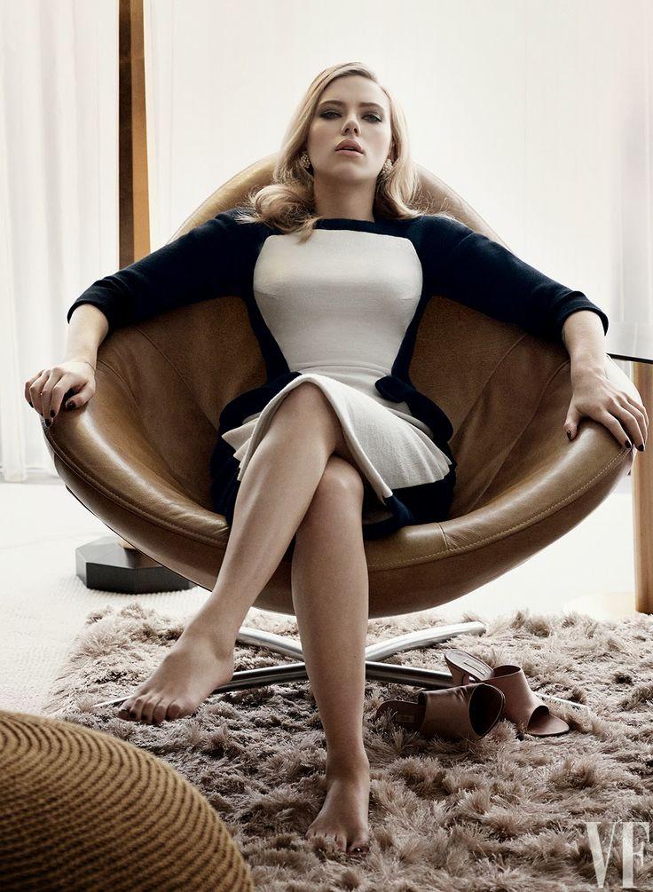 Black Carousel: Scarlet Johansson on Vanity Fair Cover.