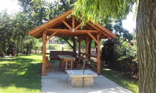 Vikt�ria Vend�gh�z Ab�dszal�k Vikt?ria Vend?gh?z is a detached holiday home set in Ab?dszal?k in the Jasz-Nagykun-Szolnok Region and is 48 km from Egerszal?k. The property is 50 km from Eger and free private parking is available.