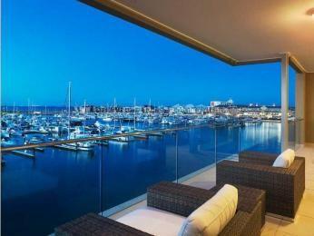 Indoor-outdoor outdoor living design with deck & decorative lighting using tiles - Outdoor Living Photo 305301