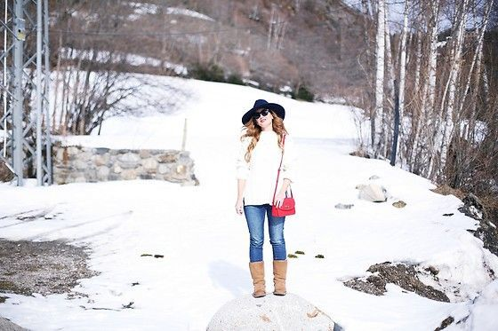 Get this look: http://lb.nu/look/8603895  More looks by A TRENDY LIFE: http://lb.nu/atrendylife  Items in this look:  Zara Jersey, Stradivarius Jeans, Tous Bolso, Tous Joyas, Zara Sombrero, Ugg Botas   #casual #classic #vintage #denim #jeans #redoutfit #zara #stradivarius #tous