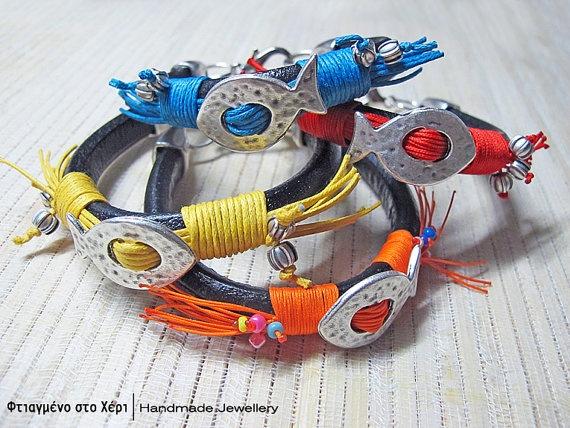 Funky fishes bracelets by FtiagmenoStoXeri on Etsy, €18.00
