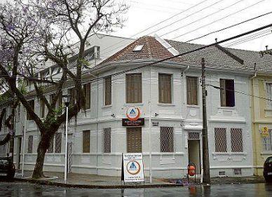 TERRA AUSTRALIS: Viagem: Novo hostel em POA - https://inusitadospoa.wordpress.com/2010/06/02/64/  Links inusitados: Casa Azul Hostel  Porto Alegre Eco Hostel = Rua Luiz Afonso 276 - Cidade Baixa