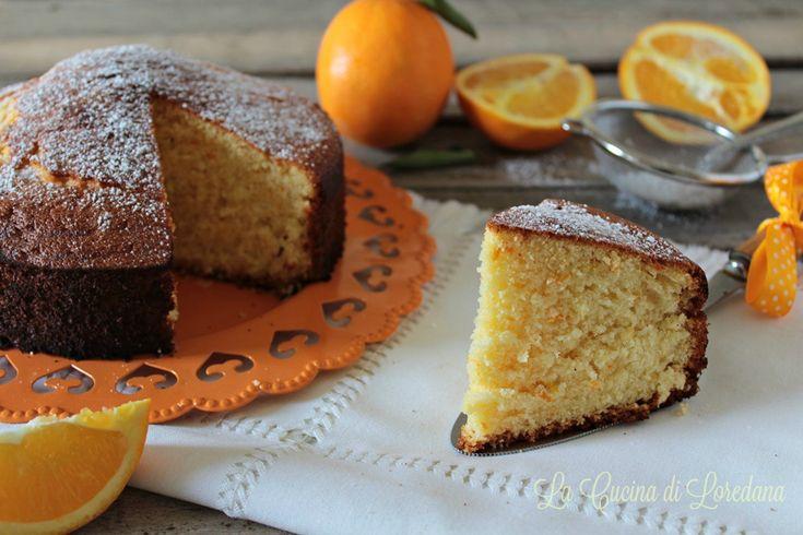 Se adori le arance non riuscirai a resistere al profumo delizioso di questa Torta soffice all'arancia, per una golosa merenda o una dolcissima colazione