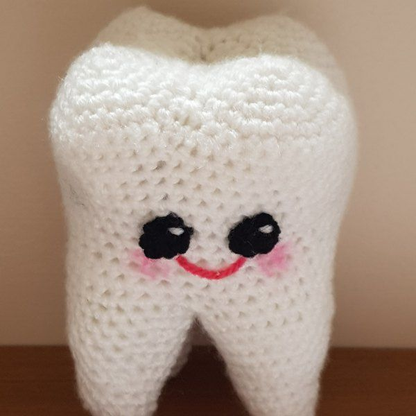 Free Tooth Fairy Crochet Pattern - Hooked On Patterns | 600x600