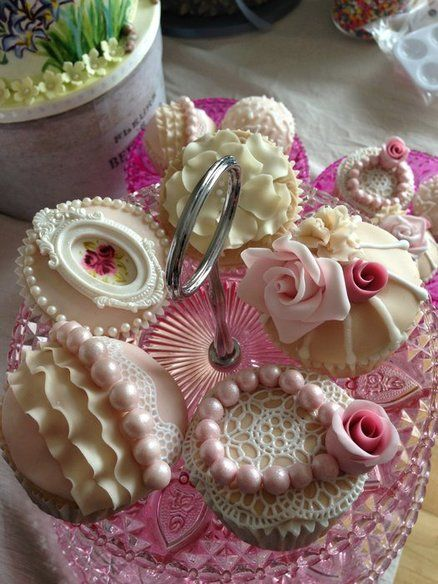 Exquisite Vintage cupcakes! These look too good to eat!!! Check out some cupcake n cake shops, deals, reviews at Cupcake Maps http://www.cupcakemaps.com. Great shot!