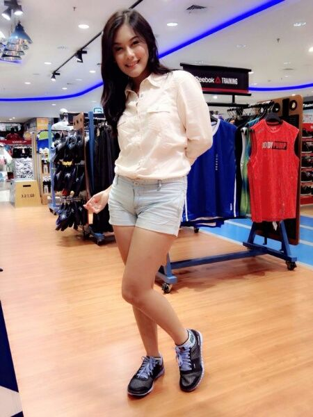 Shinta Rosari with Reebok
