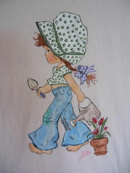 Camiseta artesanal pintada a mano.