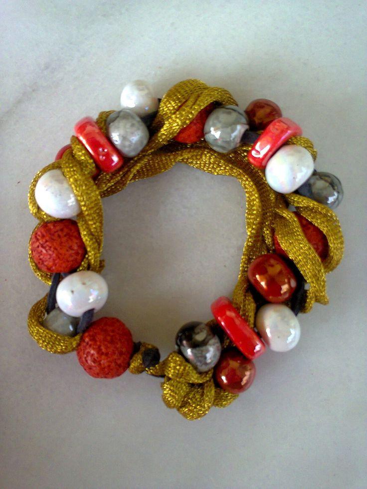 ceramic beads gold ribbon bracelet/KINZ jewelry
