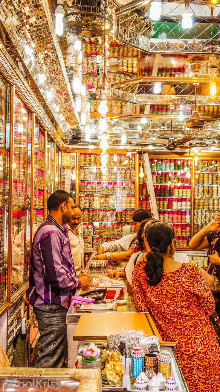 Chudi Bazaar near Charminar, India