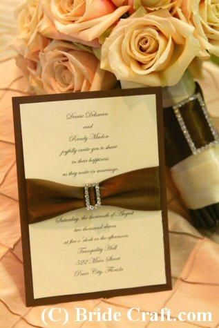 DIY Elegant Wedding Invitation.  This is a great budget friendly alternative to traditional wedding invitations.