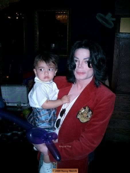 Michael Jackson with Blanket.