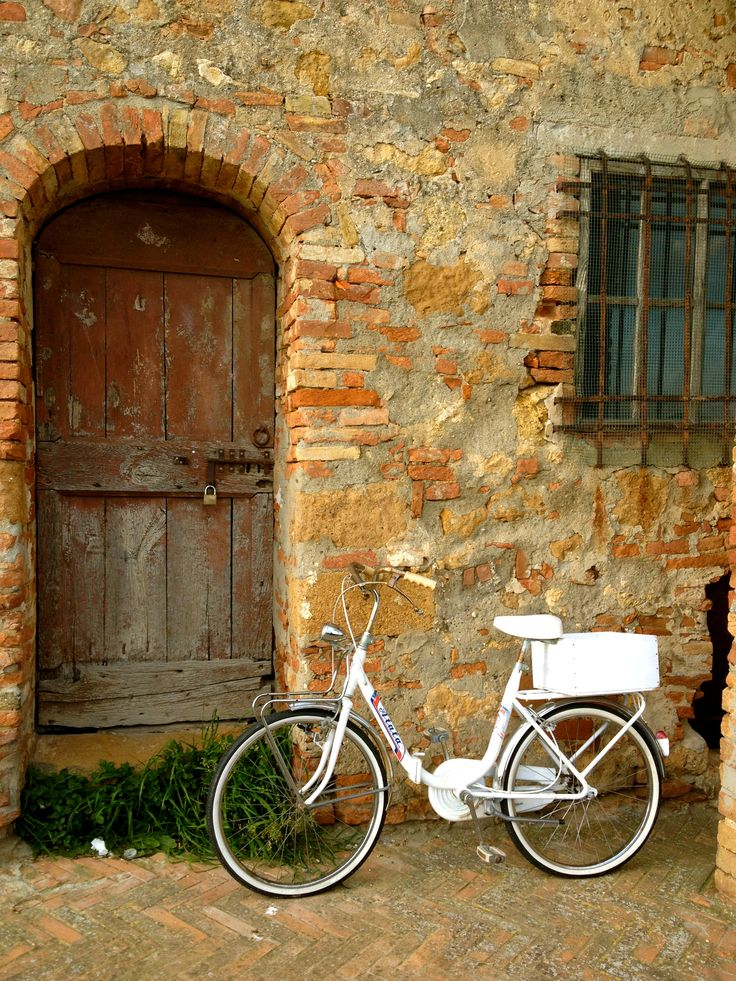 When I retire, I would like it to be on a bike in tuscany... spending days traveling between vineyards, reading and writing