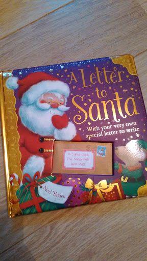 Due fratellini che scrivono una lettera a Babbo Natale, un topolino che la ruba e Babbo Natale che chiede il suo aiuto per riparare al danno fatto ... il gran finale: un bel successo!