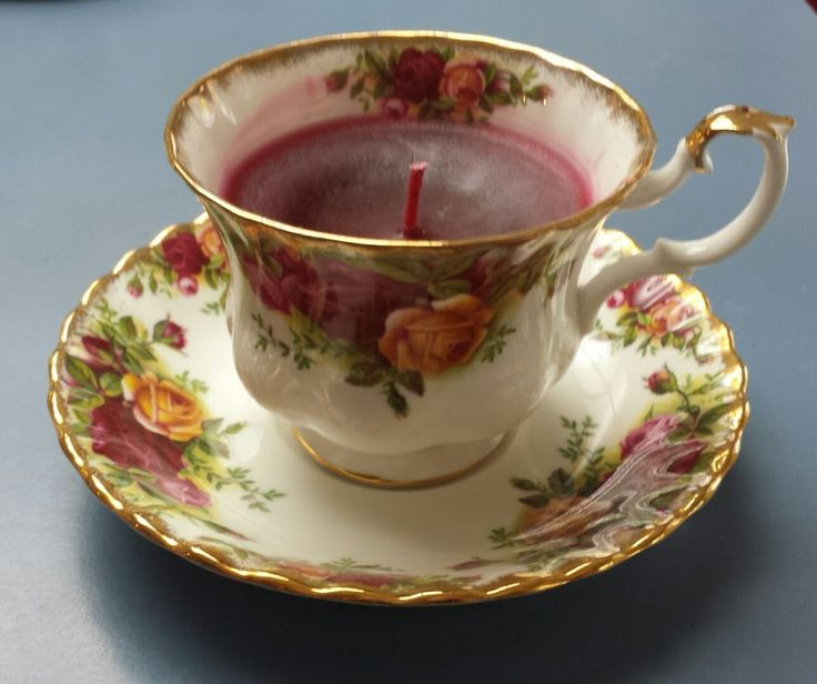 Red Apple Scented Candle in a Vintage Bone China Tea Cup #kjcreations #diy #crafts #homedecor #shabbychic #farmhousechic #vintage #upcycled #bonechina #teacup