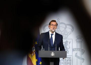 Rajoy responde a Puigdemont: Los alcaldes tienen que saber que tienen detrás al Estado