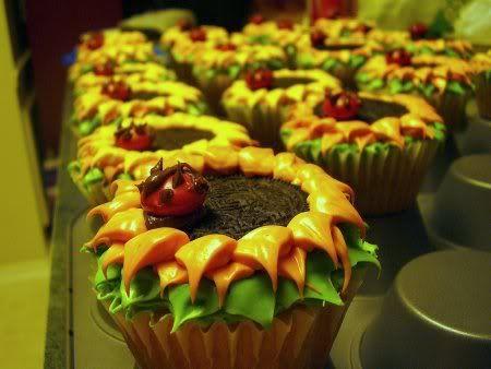 Sunflower CupcakesCreative Cupcakes Design, Cupcakes Yummy, Cute Cupcakes, Cake Cupcakes, Sunflowers Cupcakes, Cupcakes Rosa-Choqu, Breads Cupcakes Muffins, Adorable Cupcakes, Oreo Cupcakes