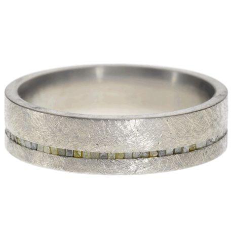 Titanium with a straight line of raw diamond cubes (0.6ctw)