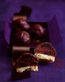 Schokoladen-Amarenakirsch-Kekse - Süße Geschenke aus der Küche: Schokolade, Pralinen & Co. - [LIVING AT HOME]