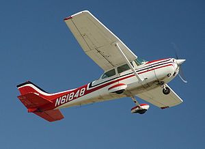 Love this kind of Cessna, the 172. I soloed in one of these back in 1982.