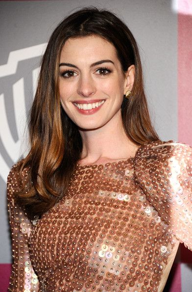Anne Hathaway Photo - 2011 InStyle/Warner Brothers Golden Globes Party - Arrivals
