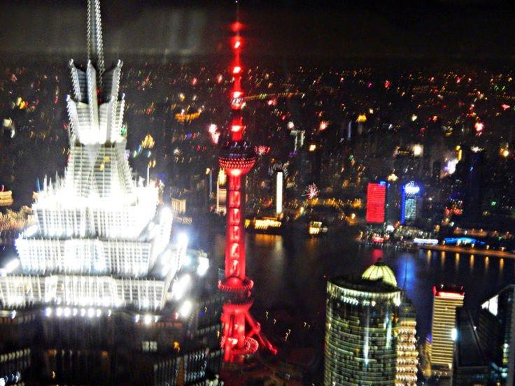 Chiński Nowy Rok w mieście Shanghaj. Spacer po Pudongu, widok na The Bund, wskazówki dotyczące transportu po mieście. Chińskie zwyczaje noworoczne