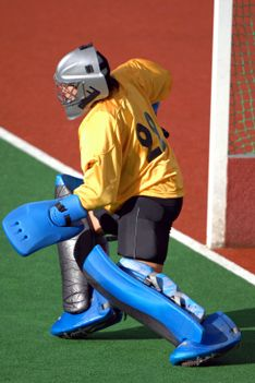 How to Warm up a Field Hockey Goalie |  1. A proper warm-up that includes a jog and stretching 2. Short sprints 3. Goaltending drills