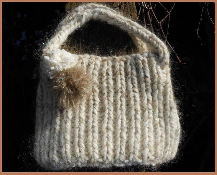 My little knitted felt bag. Cute.