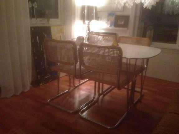 Cesco stol, design Marcel Breuer for Bauhaus. Stoler i rotting med bjørk ramme rundt rygg og stolsete. kr 600,- pr stol eller gi bud. Vi har 6 stoler.