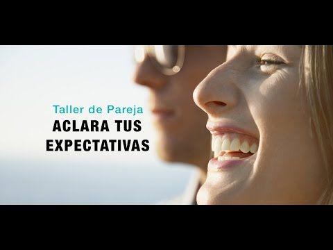 La decepción es la emoción que experimentamos cuando nuestras expectativas no son cumplidas. De este modo, cuando tu pareja no cumple tus expectativas, lo que tú sientes es decepción, y viceversa. ¿Verdad que una persona desconocida difícilmente puede decepcionarte? Pues eso es porque no esperas nada de ella.
