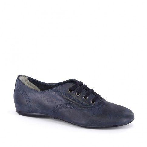 Pantofi fete, marca Primigi, ideali pentru orice scolarita.