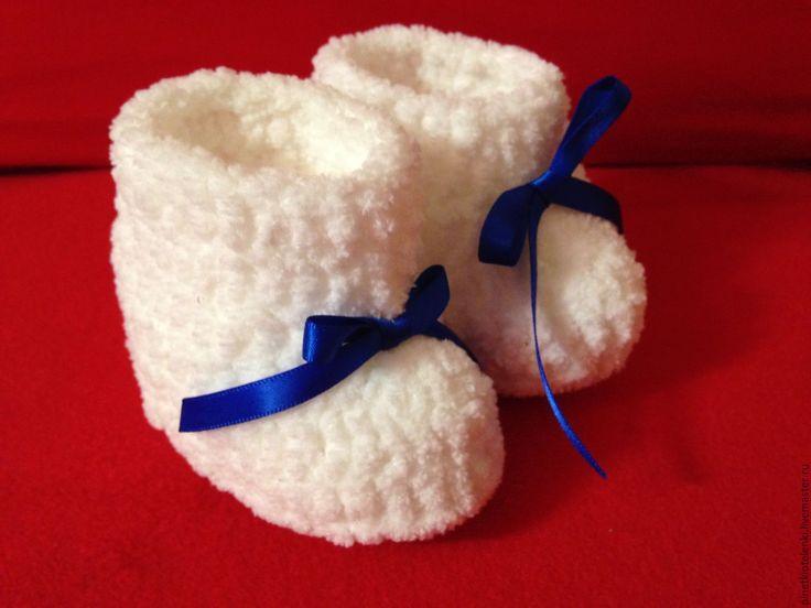 Купить Снежки - пинетки, пинетки для новорожденных, пинетки для девочки, пинетки в подарок, пинетки вязаные