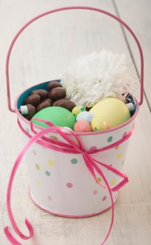 This year, skip the same old jelly beans and chocolate bunnies to create the ultimate Easter surprise. These fun and unique ideas, straight from the pros,will help you think outsidethe basket.