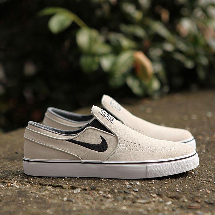 Nike SB Janoski Slip Light Bone Black White https://www.popname.cz ...