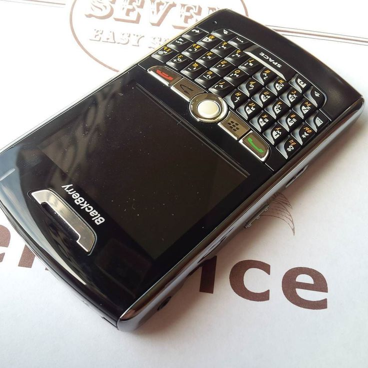 #inst10 #ReGram @b2b.blackberry: #BlackBerry 8800. Стиль в минимализме. #bbdevice #bbdesign #bbplaces #B2BBlackBerry  #BlackBerryClubs #BlackBerryPhotos #BBer #RIM #QWERTY #Keyboard #OldBlackBerry #BlackBerryBold #Bold