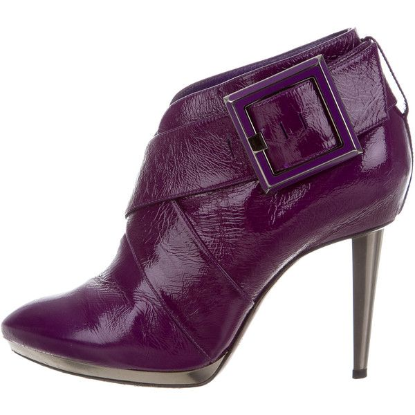Pre-owned Sergio Rossi Patent Leather Round-Toe Ankle Boots ($145) ❤ liked on Polyvore featuring shoes, boots, ankle booties, purple, buckle booties, round toe booties, round toe boots, purple booties and short boots