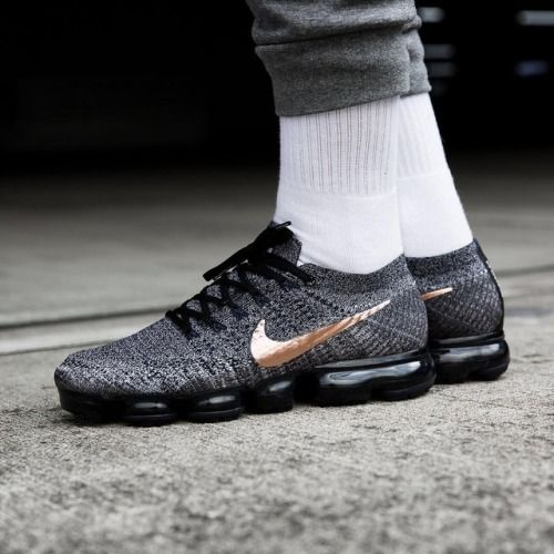 Nike Flyknit Air Max Black Pink Foil Hot Lava