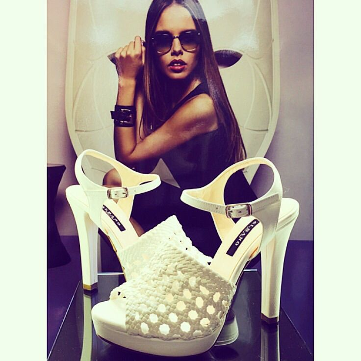 Albano's white shoes! Wearing a glamour shoes for your summer holiday!