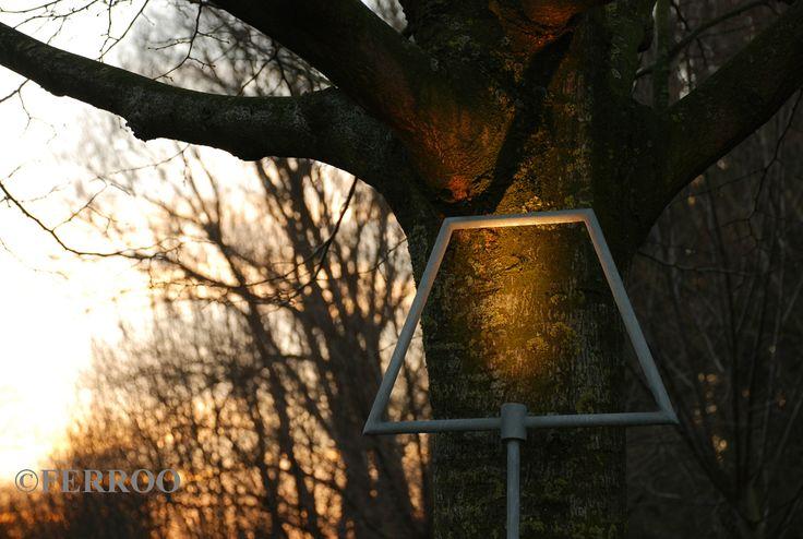 Garden light - verplaatsbare tuinverlichting - staal en led lamp