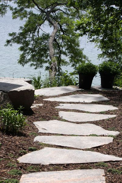 I want this for the cottage landscaping....  Lakeside Landscaping - Project Gallery