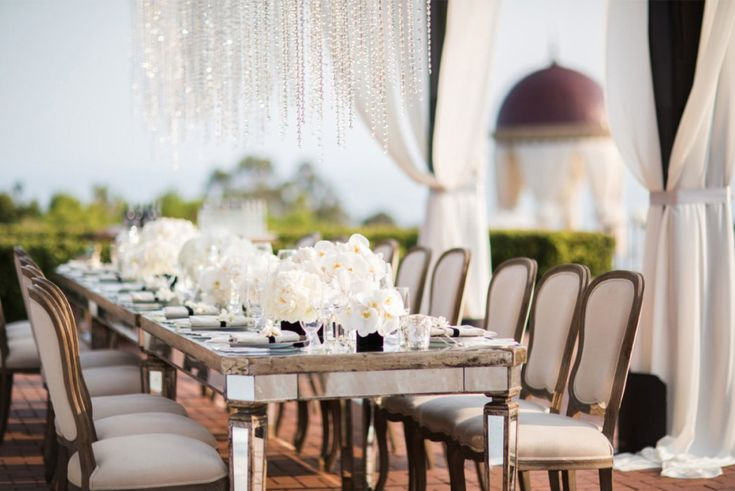 For California destination weddings we present our luxury brides with Strictly Weddings partner, Details Details, who plan & produce awe-inspiring weddings.