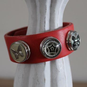 Armband rood maat M, compleet
