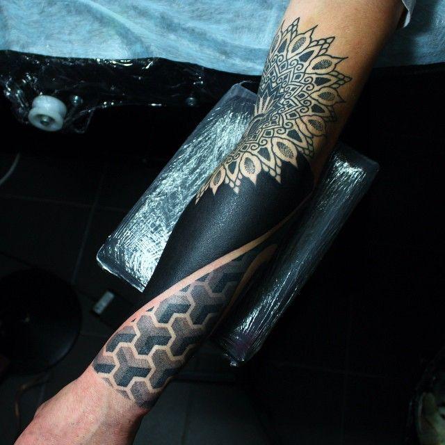 В процессе, in process #tat #tattoo #blackwork #blackworkers #dot #dotwork #mandala #тату #точки #татуировка #дот #дотворк #мандала #блэкворк