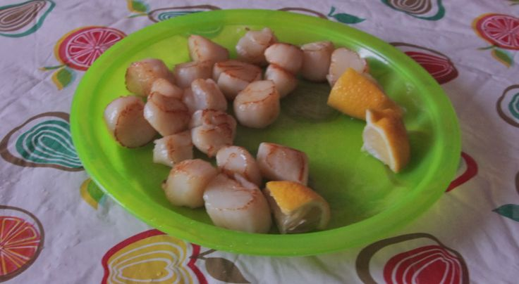 A stranger giving you heaps of scallops up in Great Mercury Island - sweet as!