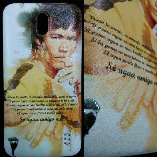 Bruce Lee, se agua amigo mio carcasa personalizada.